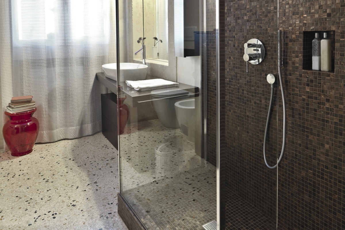 Tapis de pierre salle de bain